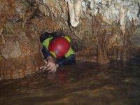 在山洞excentrica伊瓜莱哈