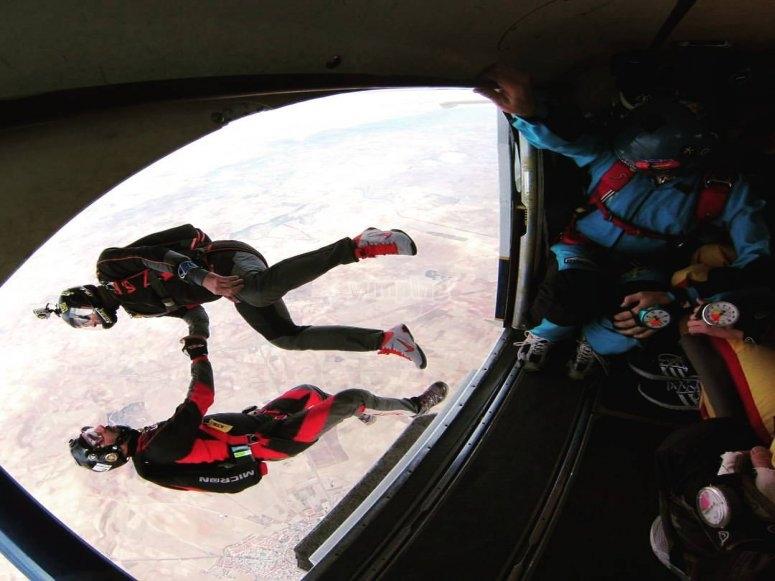 Saltando del avion