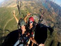 在Sierra de Algodonales滑翔伞30分钟