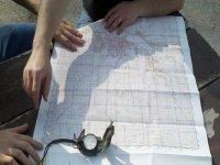 Domina la brújula y oriéntate con el mapa