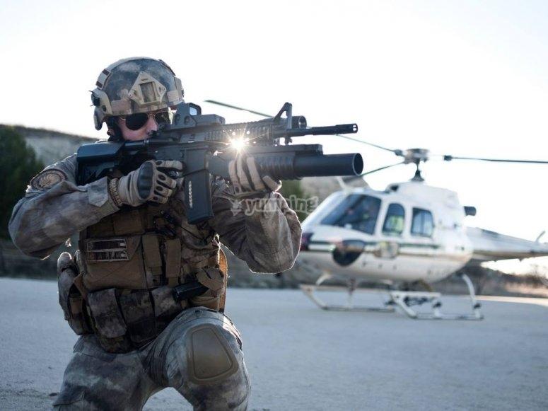 Defendiendo el helicoptero