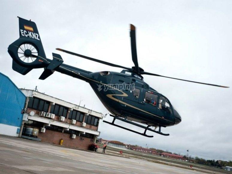Los ganadores son evacuados en helicoptero