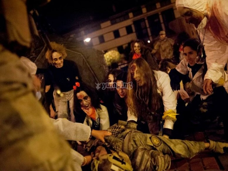 Militar eaten by a zombie