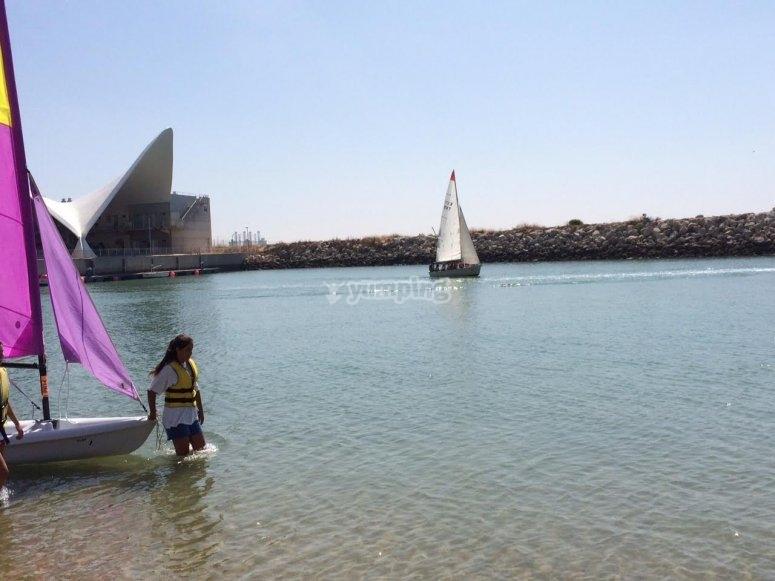 Aprendiendo a navegar a vela