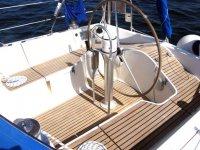 在海马柏柏尔晚餐学会从帆船双舱指挥舵