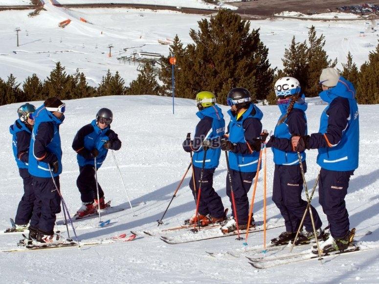En la clase de esqui