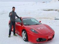 Va a conducir un Ferrari en la nieve