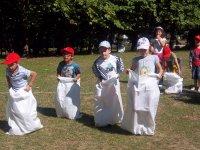 Carreras infantiles de sacos