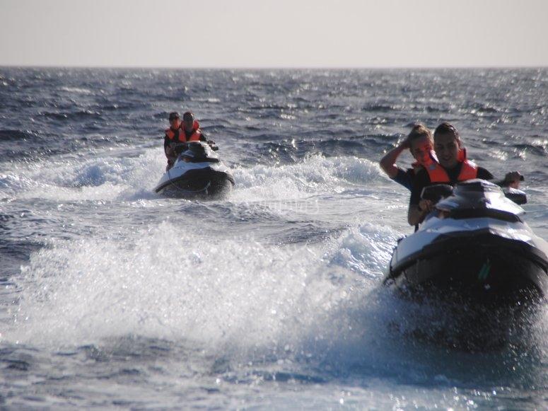Escursione di moto d'acqua