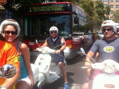 滑板车出租Vespa 125cc在瓦伦西亚1天