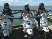 Vespa tour for 2 in Valencia + menu with paella