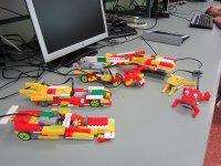 Legos sobre el escritorio