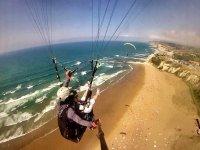 Volo in parapendio lungo la costa basca