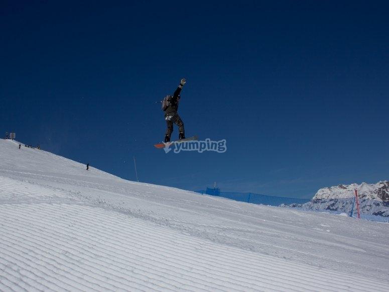 Disfrutando del snowboard