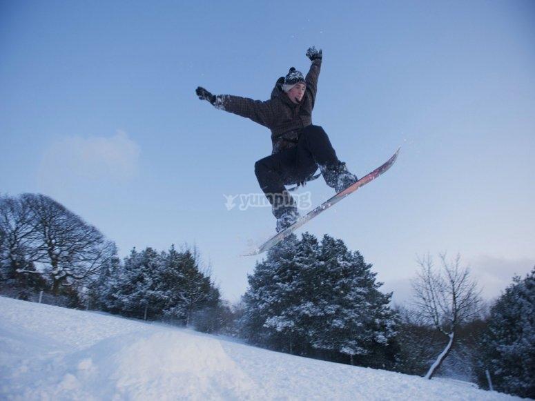 练习单板滑雪单板滑雪