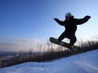 享受滑雪级滑雪