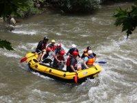 Trip in the rafting raft