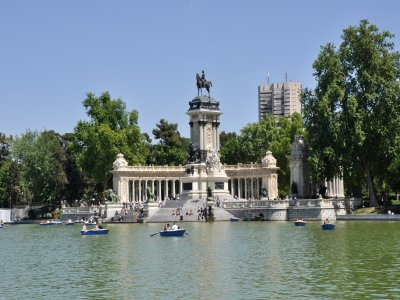 Guided Tour El Retiro: History and Anecdotes