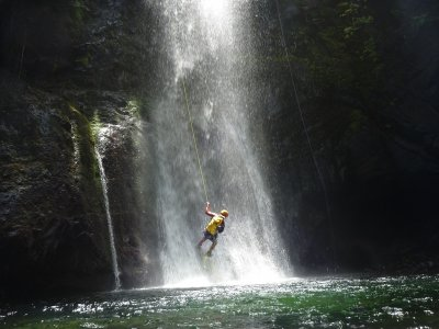 Canyoning day in the Canaletes river 5 h