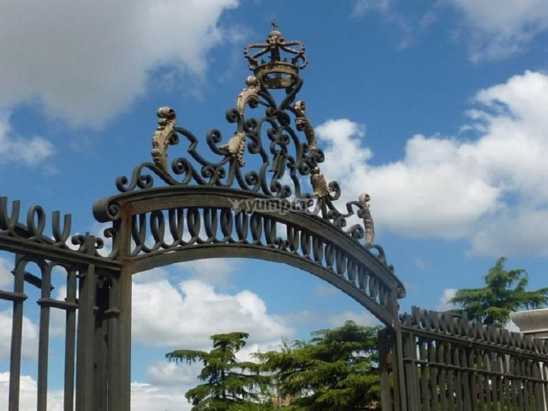 Retiro park entrance