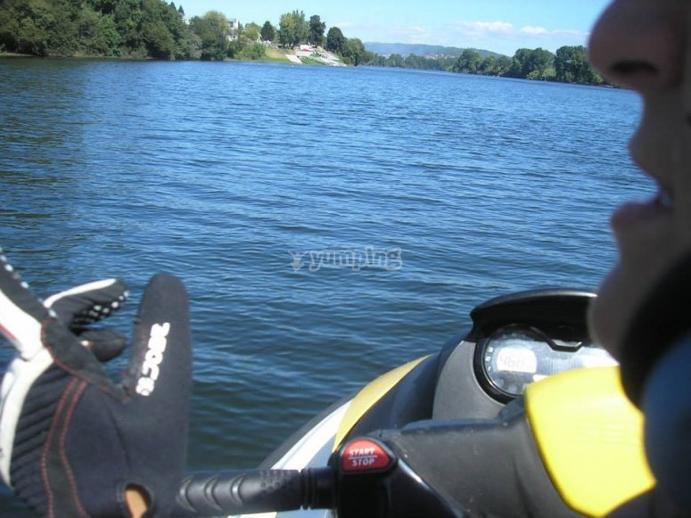 Moto de agua en primera persona