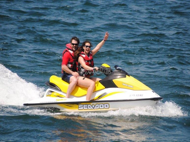Un viaje genial en moto de agua