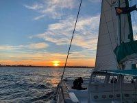 Puesta de sol en Valencia a bordo de un catamarán
