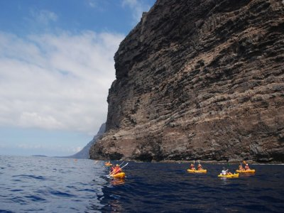 Touring kayak in los Gigantes, 2 hours