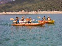 En las canoas dobles