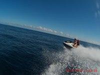 Moto nautica acelerando