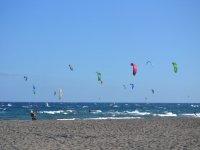 在海滩上埃尔梅达诺海滩风筝风筝