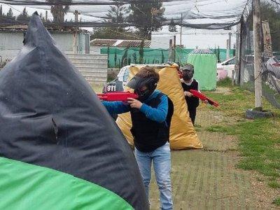 Partida de paintball infantil en Chiclana 75 bolas