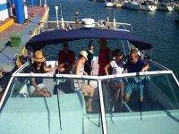 Dia en barco con amigos