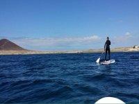 在El Medano的桨冲浪