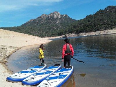 Bautismo de paddle surf en el pantano de San Juan