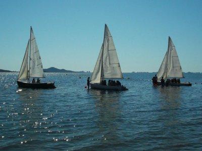 在卡塔赫纳10天夏天的航海营地