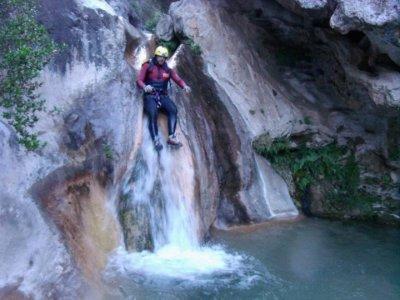Descenso de barranco de Paterna del Río iniciación