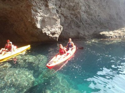Ruta en kayak con snorkel en Cabo de Gata niños