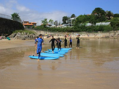 Surfing classes in Llanes Valentine's Day Feb