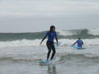 Clases de surf en Llanes en grupo 2 horas