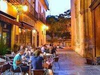 A gastronomic route through Valencia