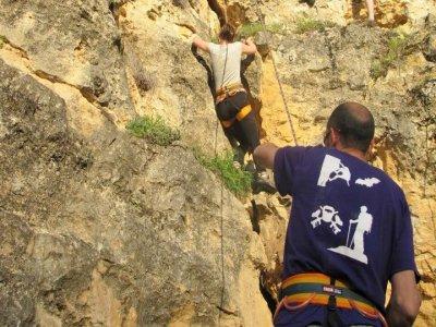 Pacchetto arrampicata e speleologia a Turégano