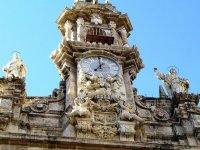 Tour the historic center of Valencia