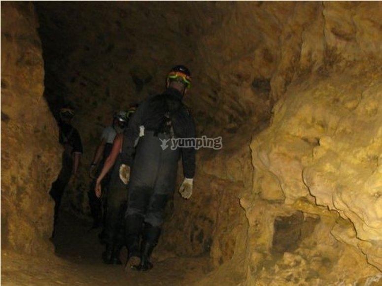espiando en la cueva de la vaquera