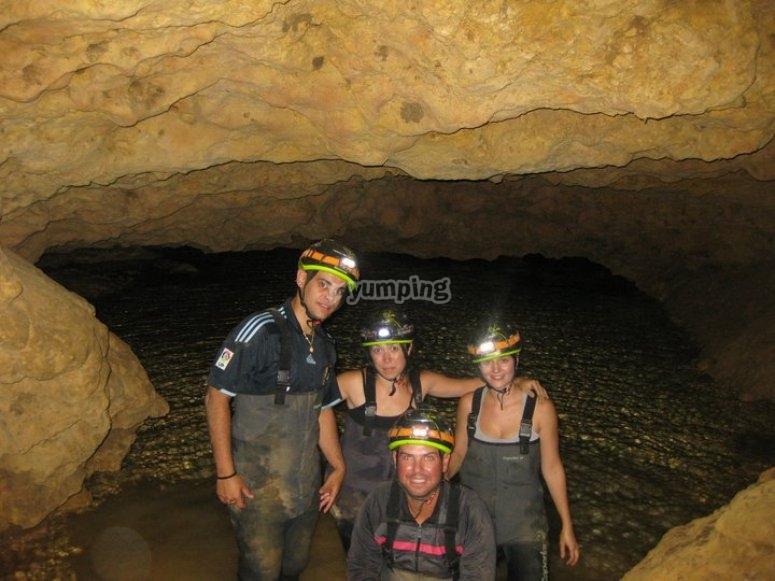 amigos en cueva de la vaquera