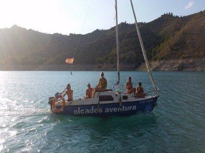 Navegar en velero embalse la Fuensanta medio día