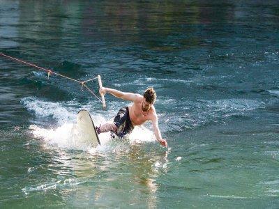 在Moraira练习滑水20分钟