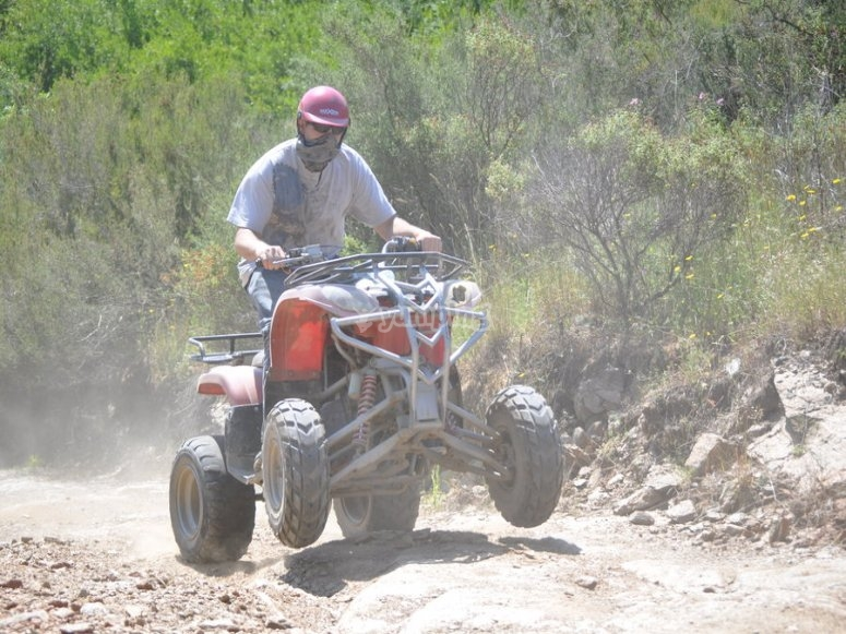 divertido trayecto en quad