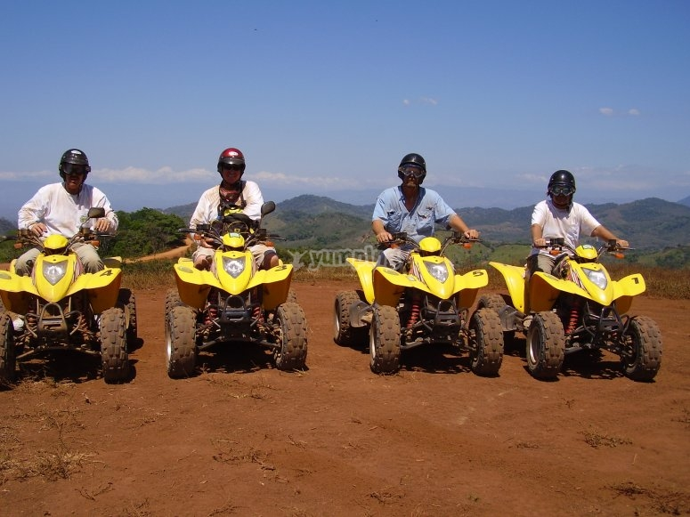 grupo de excursion en quad