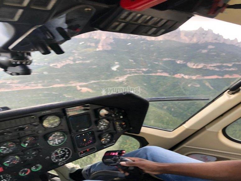 Helicóptero sobre el Monserrat
